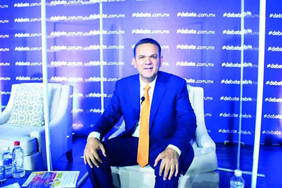 Sergio Torres arrasa en conversatorio de candidatos al gobierno de Sinaloa