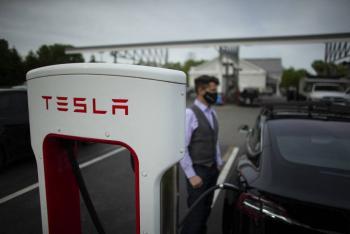Tesla prohibe comprar con bitcoin sus vehículos