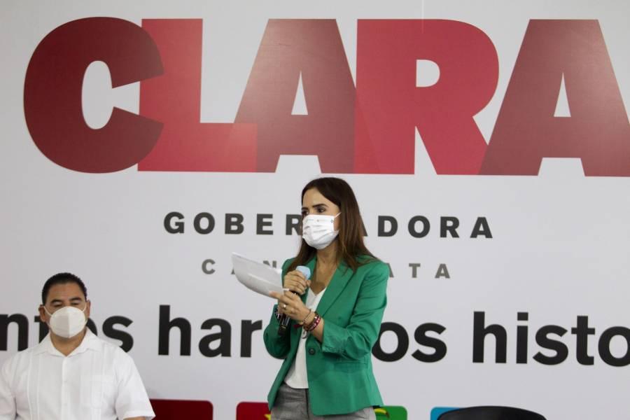 Clara Luz Flores presenta al candidato morenista para Monterrey, se trata de Felipe de Jesús Cantú