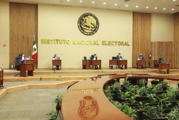 Selecciona INE muestra para verificar medidas de seguridad en documentación electoral