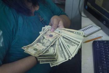 Uruguay coloca deuda por 1,740 millones de dólares
