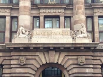 Banxico mantiene tasa de interés en 4%, el entorno es incierto