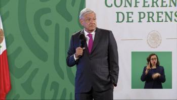 AMLO corrige: Grupo Imagen tiene la concesión no de uno, sino de dos penales