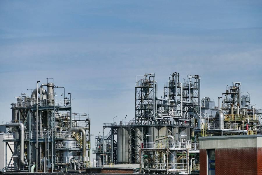 SENER: El 93% de permisos para importar combustible a empresas privadas se eliminó