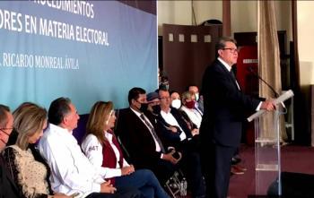 Pide Monreal a consejeros del INE no ser MP