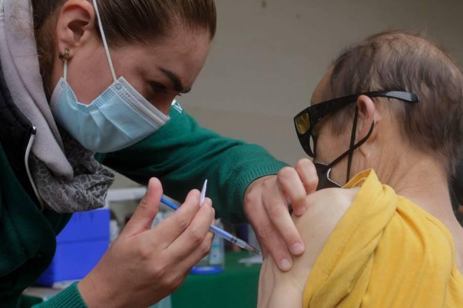 Estas son las sedes para la vacunación de docentes en la CDMX