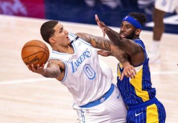 Los Lakers derrotan a Pacers y podrían clasificar directamente a los playoffs
