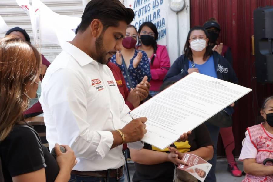 Adolfo Cerqueda firma compromisos para erradicar feminicidios y violencia de género en Neza