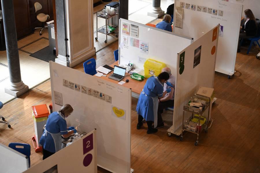 Reino Unido ya vacunó por completo contra Covid-19 a más 20 millones de personas