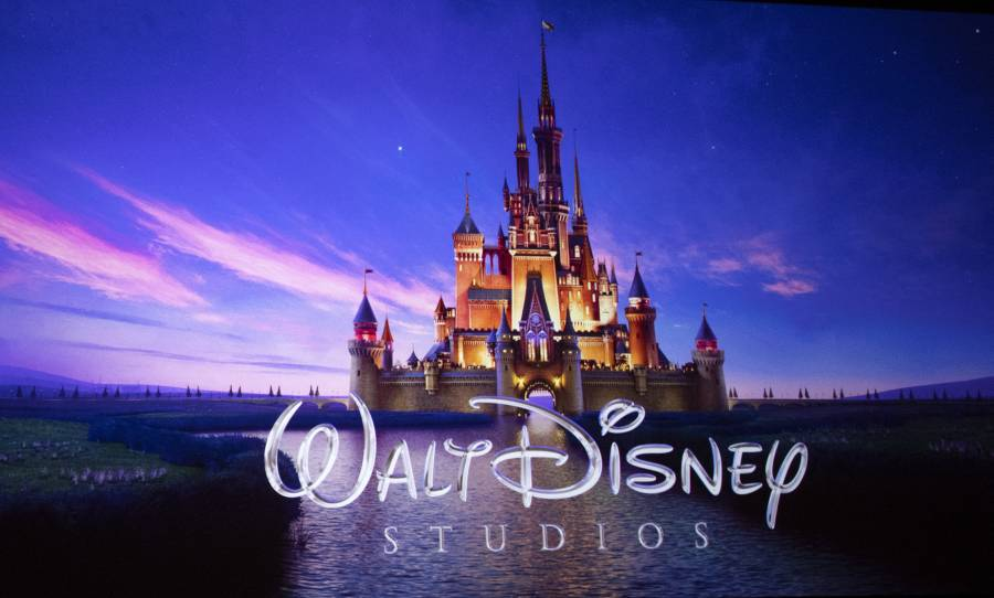Parques de Disney recibirán a más visitantes y relajarán restricciones sanitarias