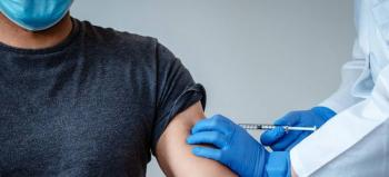 Arranca vacunación a embarazadas y mayores de 50 años en Zacatecas