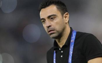 Xavi Hernández llega a Barcelona y niega contactos con Laporta
