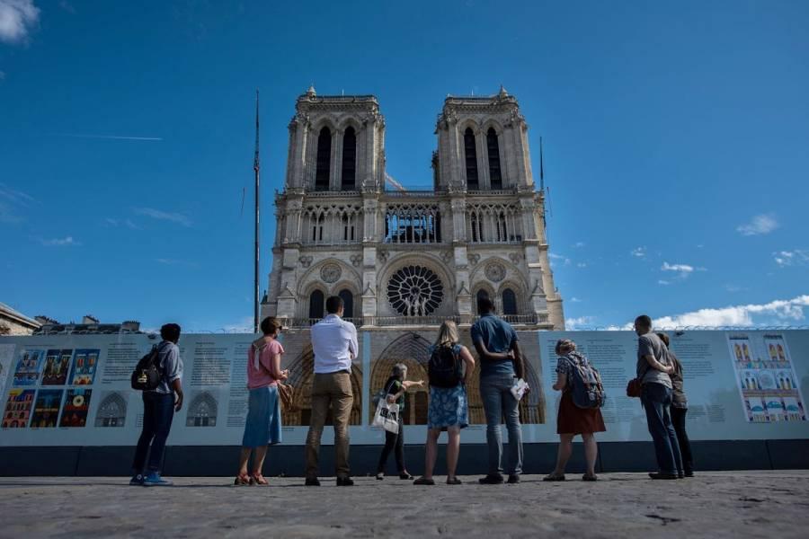 Cierran plaza de Notre Dame por alta concentración de plomo