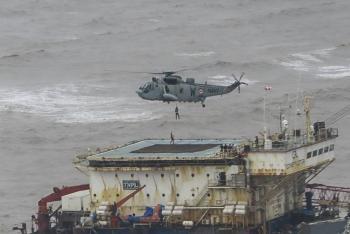 Ahora, ciclón golpea a India, deja 27 personas muertas