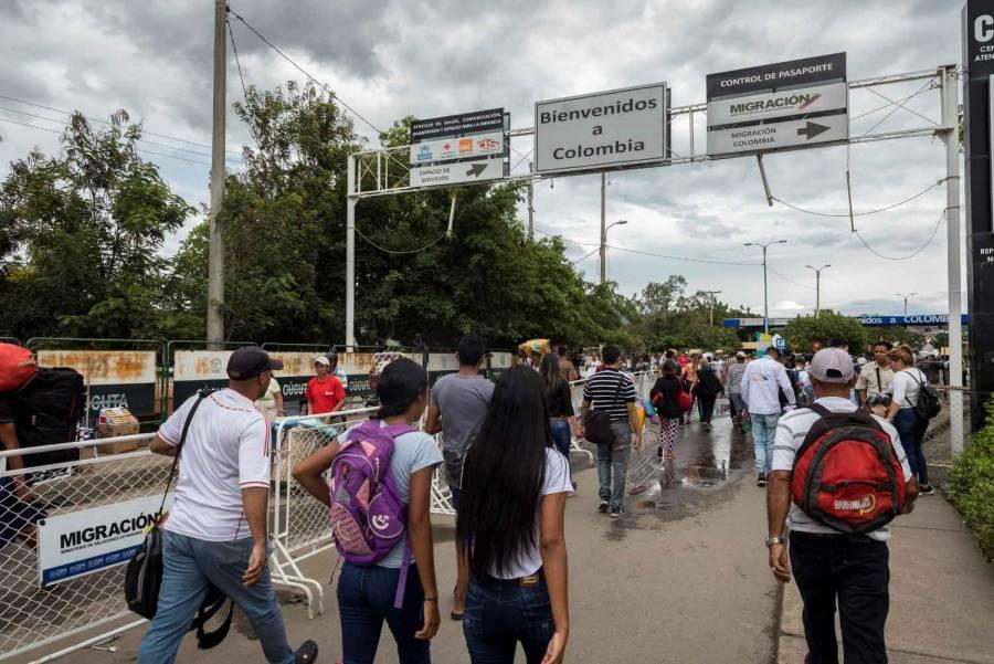 Colombia reabre fronteras cerradas por pandemia