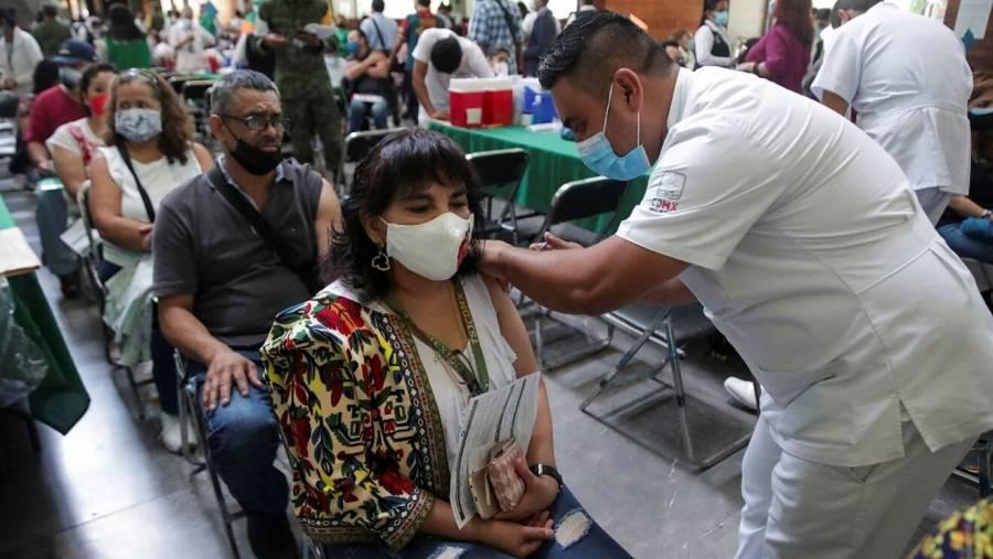 Inicia la vacunación COVID de adultos en 4 alcaldías de la CDMX