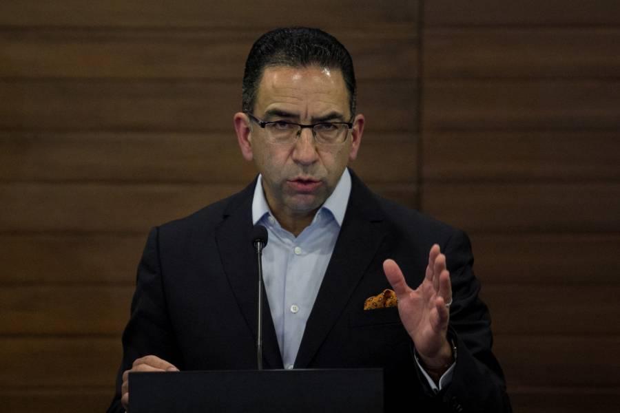 """""""No tiene intención de fugarse"""", dice Javier Lozano respecto a Cabeza de Vaca"""
