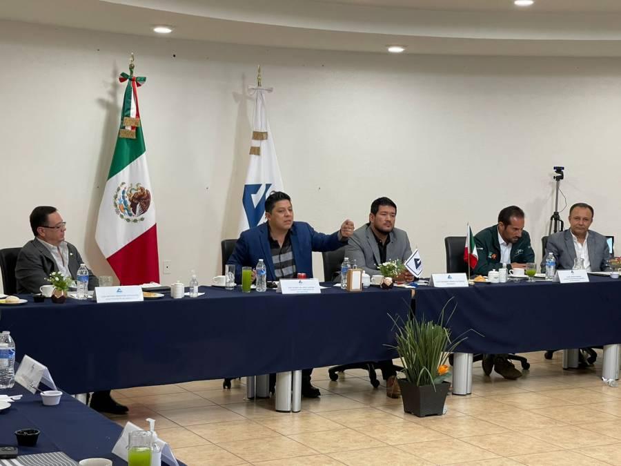 Se reúne Ricardo Gallardo Cardona con empresarios de la Canaco