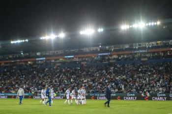 Pachuca recibe multa por exceso de aforo en el Estadio Hidalgo