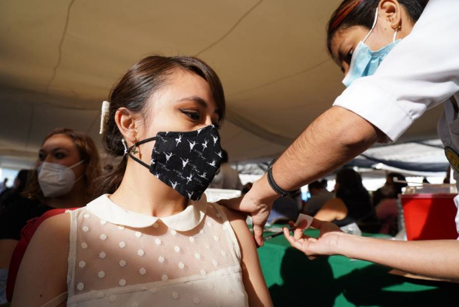 Entre septiembre y octubre, vacunación a personas de 18 a 29 años