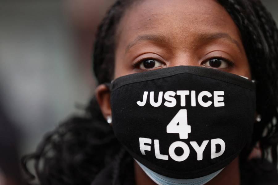 A un año de su muerte, marchan en homenaje a George Floyd en Minneapolis