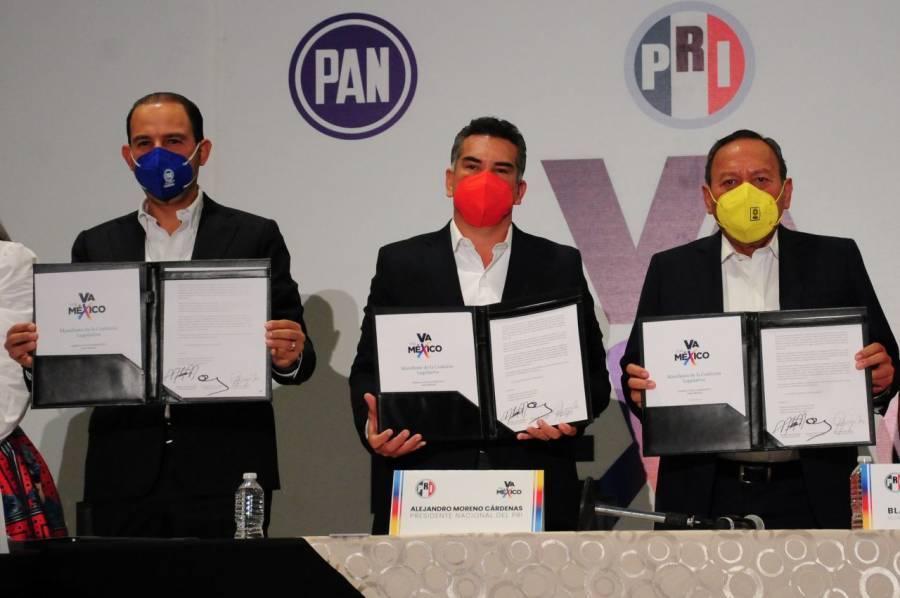 PAN, PRI y PRD firman acuerdo para crear coalición legislativa
