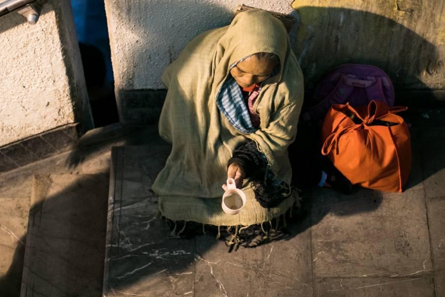 Índices de pobreza, aún por arriba de nivel previo a la pandemia: Coneval