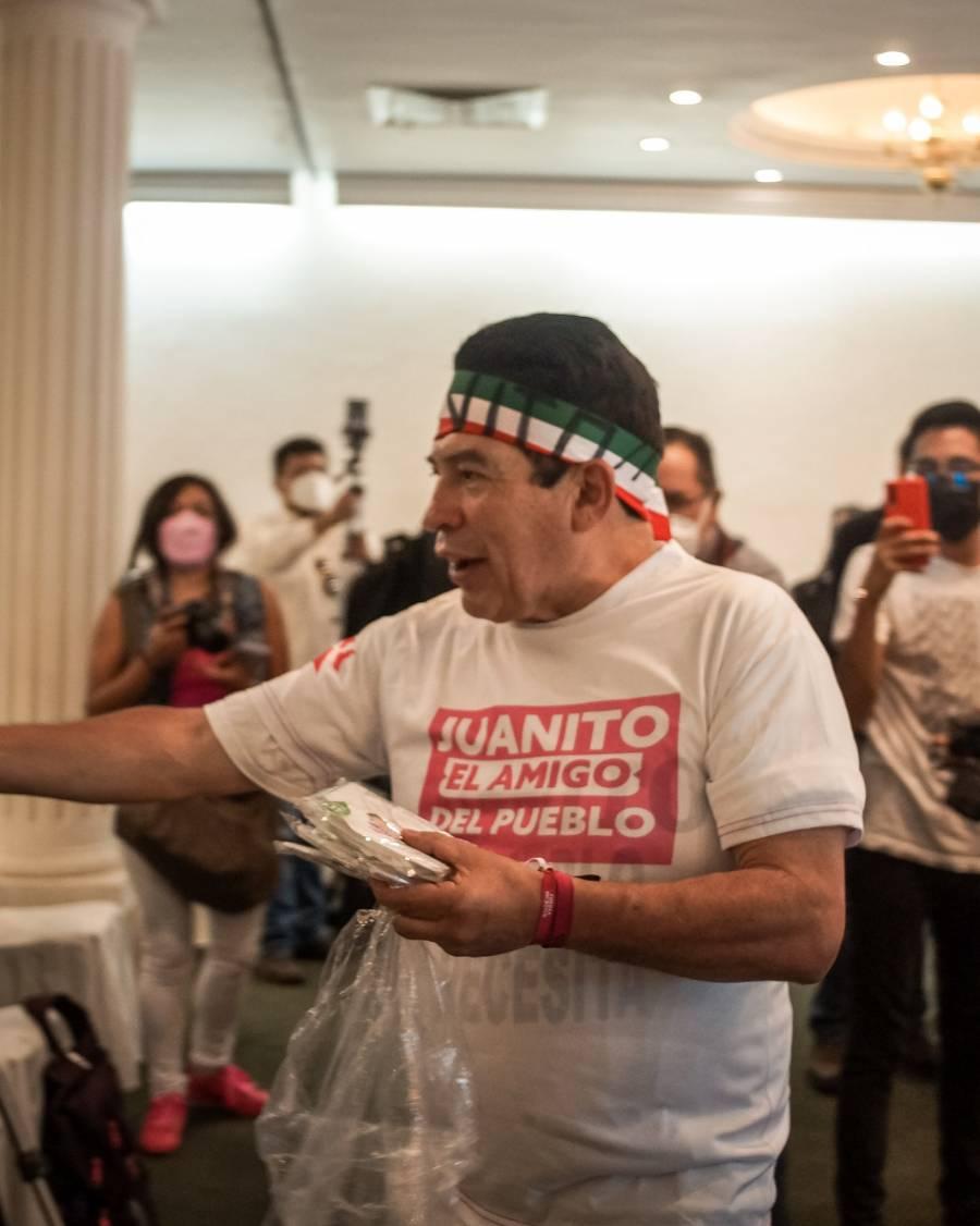 """Regresa """"Juanito"""" a la política, va por la alcaldía de Iztapalapa"""