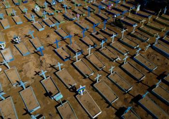 Brasil supera los 450 mil muertos por Covid-19 y teme una tercera ola