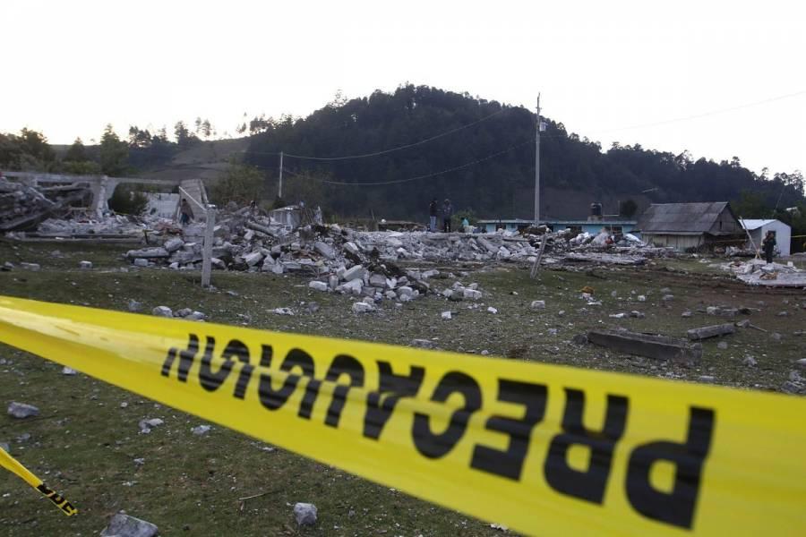 Suman seis víctimas mortales por explosión de polvorín en Tlaxcala