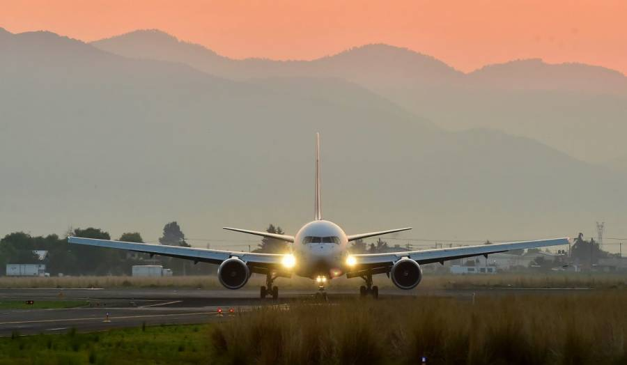 Acuerdan ruta para recuperar categoría 1 en seguridad aeronáutica