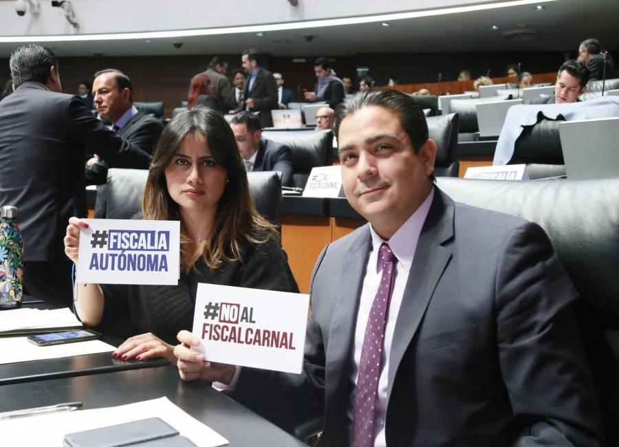 Ordenan liberar cuentas del senador García Cabeza de Vaca; UIF dice que no ha sido notificada