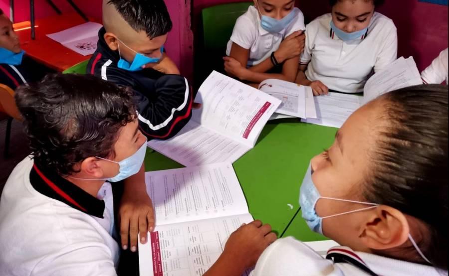 Escuelas deberán realizar reuniones con padres de familia para regreso a clases