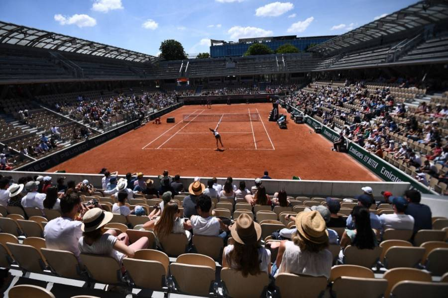 Por toque de queda, el Roland Garros invita al público a abandonar las instalaciones