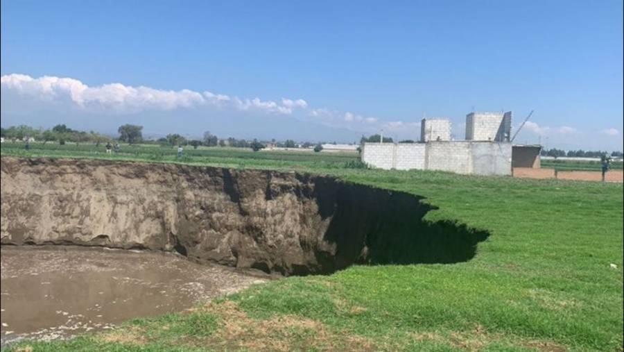 Socavón en Puebla sería por sobreexplotación de mantos acuíferos