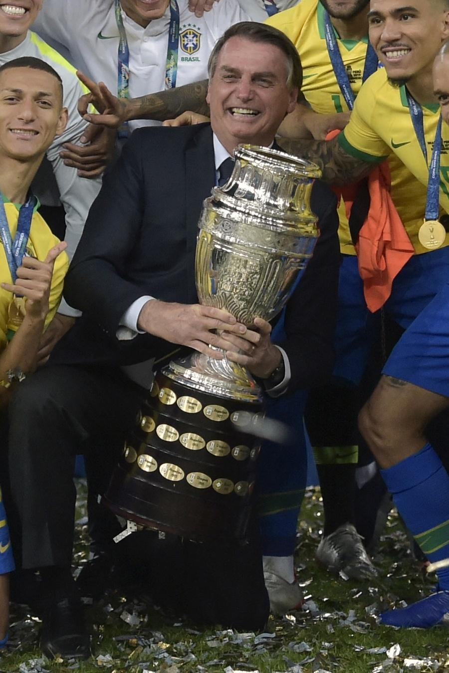 Brasil recibirá la Copa América 2021; genera críticas por su situación de Covid-19