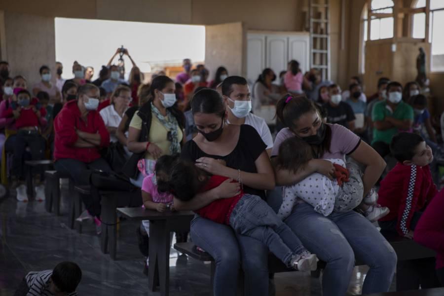 Ponen fin a programa que enviaba a México solicitantes de asilo en EEUU