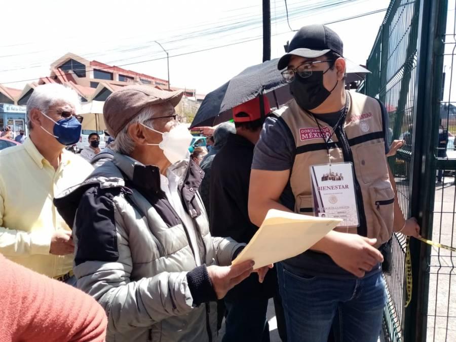 Denuncian retrasos y desorganización en segunda dosis de adultos mayores en Benito Juárez