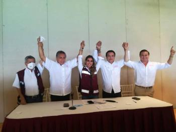 """Declina Manuel Negrete en favor de """"La Torita"""" en Guerrero"""