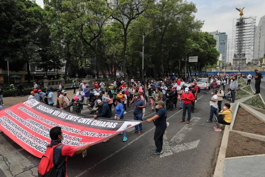 Reclama CNTE diálogo con AMLO y libertad a normalistas