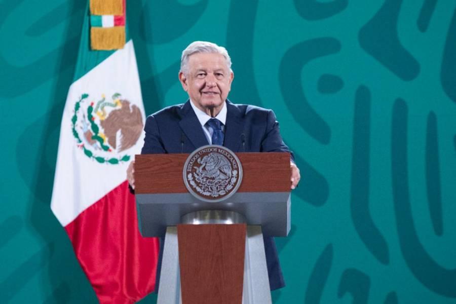 AMLO anuncia que irá a Aguililla, pueblo que padece la guerra del narco