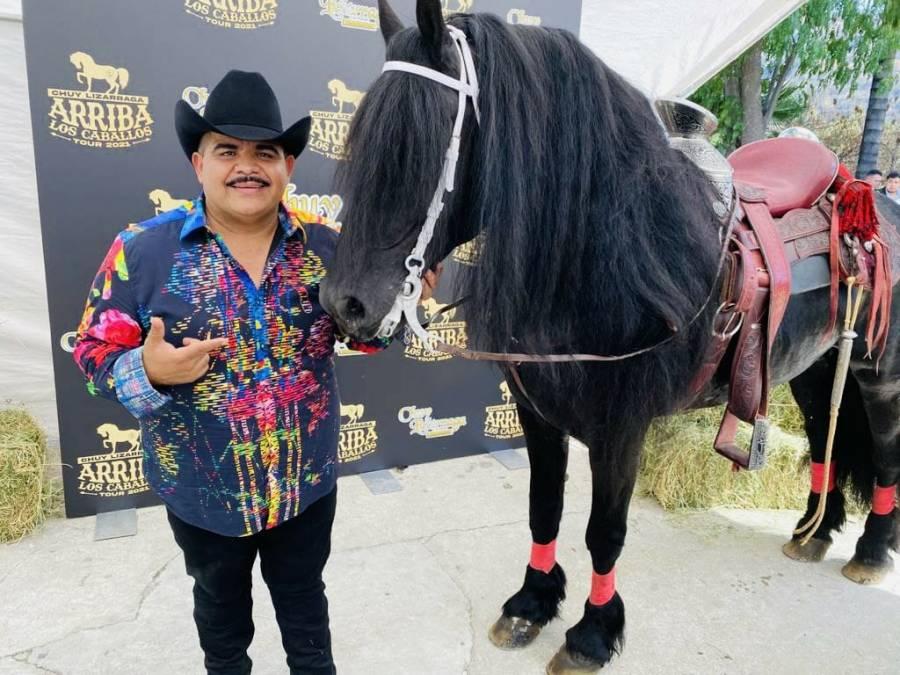 Chuy Lizárraga anuncia gira por EUA con jaripeo