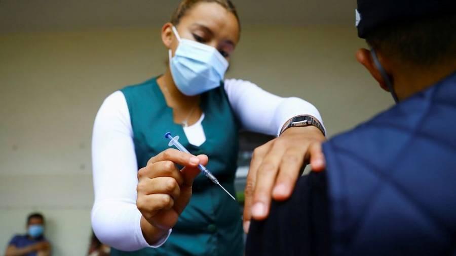 Miguel Hidalgo, Á. Obregón, Tlalpan y Tláhuac se preparan para vacunar a personas de 40 a 49 años