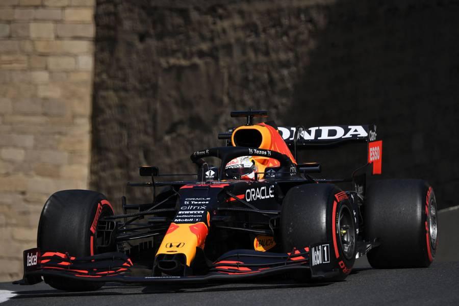 "Charles Leclerc logra la ""pole"" en GP de Azerbaiyán; Checo Pérez saldrá séptimo"