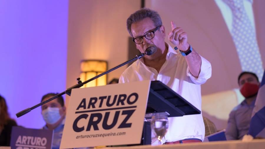 Detienen a Arturo Cruz, aspirante a la presidencia de Nicaragua, cuando regresaba de EEUU