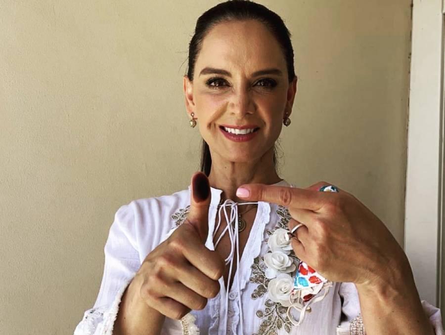 Lupita Jones vota en Mexicali y lamenta violencia en jornada electoral en BC