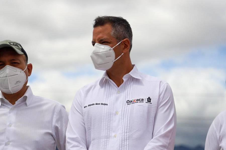 Oaxaca: Alejandro Murat y su esposa acuden a votar