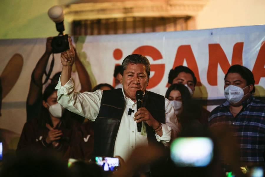 Aventaja David Monreal en Zacatecas