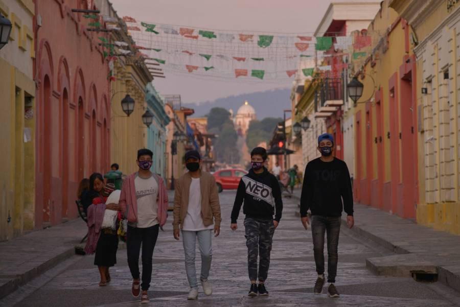 Chiapas tiene la tasa más baja en hospitalización y defunciones por Covid-19: Rutilio Escandón