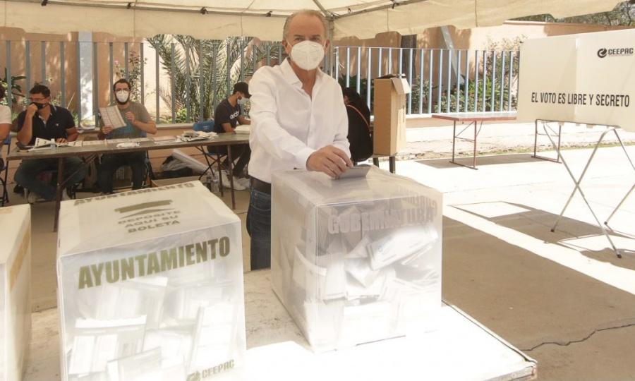 Reconoce Juan Manuel Carreras que Ricardo Gallardo lleva la delantera rumbo a la gubernatura